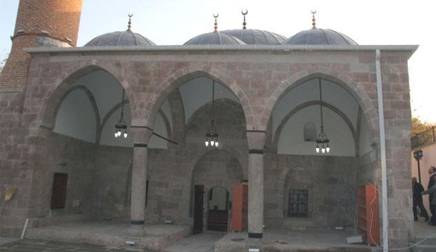 Behramşah Camisi İbadete Açıldı